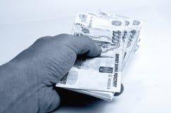Wiele ruble w ręce fotografia royalty free