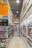 Wiele typ elektryczni produkty w supermarkecie fotografia stock