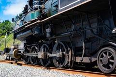 Wielen van de retro locomotief stock foto's