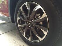 Wielen van Mazda CX5 royalty-vrije stock foto
