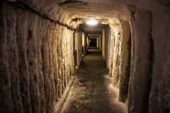 WIELICZKA POLEN - MAJ 28, 2016: Ð-¡ orridor i Wieliczka den salta minen Royaltyfria Foton