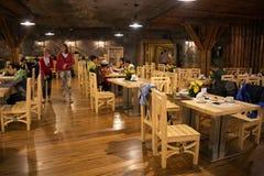 WIELICZKA POLEN - MAJ 28, 2016: Restaurang i Wieliczka den salta minen Royaltyfri Fotografi