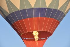 Wielka atrakcja turystyczna Cappadocia - balonowy lot nakrętka Wzgórze, piękno obrazy stock