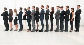 Wielka biznes drużyna stoi jeden za inny Zdjęcie Stock