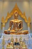 Wielka czysta złocista Buddha statua w świacie przy Watem Traimit Fotografia Royalty Free