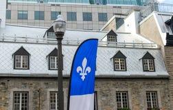 Wielka flaga Quebec w Quebec mieście obraz royalty free