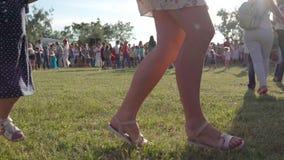 Wielka grupa ludzi świętuje Kupala noc zdjęcie wideo