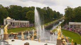 Wielka kaskada jest głównym fontanny strukturą Peterhof zbiory wideo