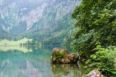 Wielka lato panorama Obersee jezioro Zielona ranek scena Szwajcarscy Alps, Nafels wioski lokacja, Szwajcaria, Europa piękno Zdjęcia Stock