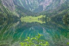 Wielka lato panorama Obersee jezioro Zielona ranek scena Szwajcarscy Alps, Nafels wioski lokacja, Szwajcaria, Europa piękno Obrazy Stock