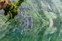Wielka lato panorama Obersee jezioro Zielona ranek scena Szwajcarscy Alps, Nafels wioski lokacja, Szwajcaria, Europa piękno Zdjęcia Royalty Free