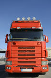 wielka niebieska ciężarówka czerwona niebo Zdjęcie Royalty Free