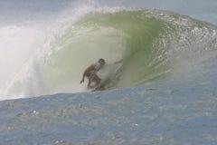 wielka surfing rurkę fale Fotografia Royalty Free