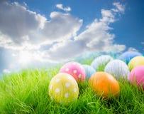 Wielkanoc kolorowa jaj trawy Obraz Royalty Free