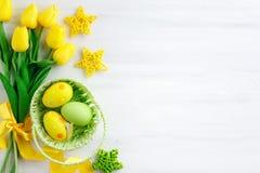 wielkanoc szczęśliwy Gratulacyjny Easter tło wielkanoc jaj kwiaty Fotografia Royalty Free
