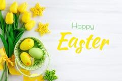 wielkanoc szczęśliwy Gratulacyjny Easter tło wielkanoc jaj kwiaty Zdjęcia Royalty Free