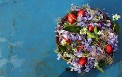 Wielkanoc z czerwonymi jajkami Zdjęcia Royalty Free