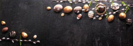 Wielkanocna dekoracja na Ciemnym tle Zdjęcia Royalty Free