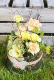 Wielkanocna dekoracja w ogródzie Obrazy Royalty Free