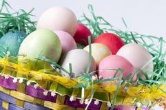 Wielkanocnego jajka kosz, Zdjęcie Stock