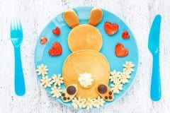 Wielkanocnego królika bliny, kreatywnie pomysł dla dzieciak wielkanocy śniadania Zdjęcie Stock