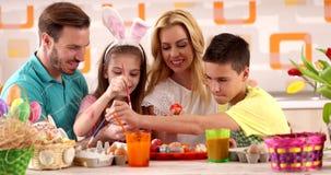 Wielkanocnego obrazu †'rodzinni kolorystyk jajka zbiory