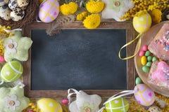 Wielkanocni cukierki i dekoracje Zdjęcia Stock