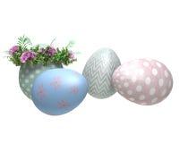 Wielkanocni jajka malujący, z kwiatami Fotografia Stock