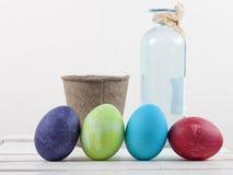 Wielkanocni jajka na białym tło składzie Zdjęcie Royalty Free