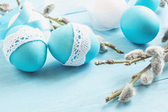 Wielkanocni jajka na stole Obrazy Stock