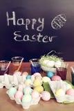 Wielkanocni jajka na stole fotografia royalty free