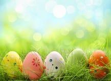 Wielkanocni jajka w trawie Fotografia Royalty Free