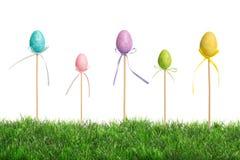 Wielkanocni jajka W trawie Obrazy Royalty Free