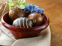 Wielkanocni wystrojów jajka na tle Zdjęcie Stock