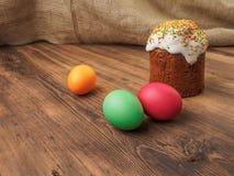 Wielkanocny chleb Wielkanoc tort i Easter barwiony jajko Rosjanin i kniaź ortodoksyjni, slavic tradycyjny Wielkanocny kulich dale obrazy stock