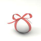 Wielkanocny jajko z łękiem Zdjęcia Stock
