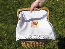 Wielkanocny koszykowy chwyt obraz stock