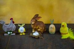 Wielkanocny królik, Easter jajko wpólnie i kurczątko, Obrazy Stock