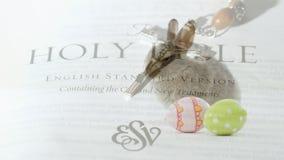 Wielkanocny królik, jajka i biblia, ilustracja wektor