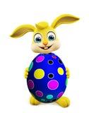 Wielkanocny królik z colourful jajkami Obrazy Stock