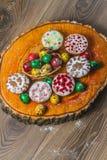 Wielkanocny skład na drewnianym tle Jajko Fotografia Stock