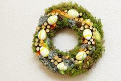 Wielkanocny wianek robić naturalni materiały Zdjęcia Royalty Free
