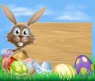 Wielkanocnych jajek kosza królik Zdjęcia Royalty Free