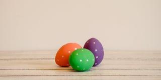 Wielkanocnych jajek ręka malująca na białym tle wielkanoc szczęśliwy Zdjęcie Stock