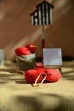 Wielkanocnych tło czerwonych jajek naturalna kanwa Zdjęcie Royalty Free