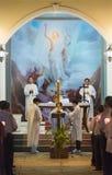 Wielkanocy usługa przy kościół katolickim, południowy Wietnam Fotografia Stock