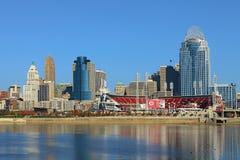 Wielki Amerykański boisko w Cincinnati z rzeką ohio w foregro obrazy stock