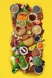 Wielki asortyment owoc, warzywa i pikantność, obraz royalty free