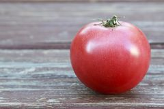 Wielki Czerwony Dojrzały pomidor Obrazy Stock