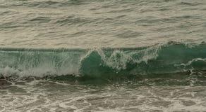 Wielki falowy widok nad morzem obraz royalty free